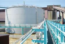 安装在卸船港口的新的硫磺储罐
